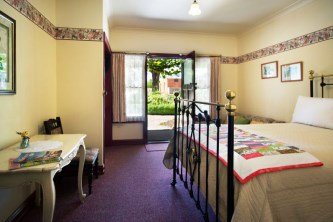 Double Room at Maldon's Eaglehawk Motel